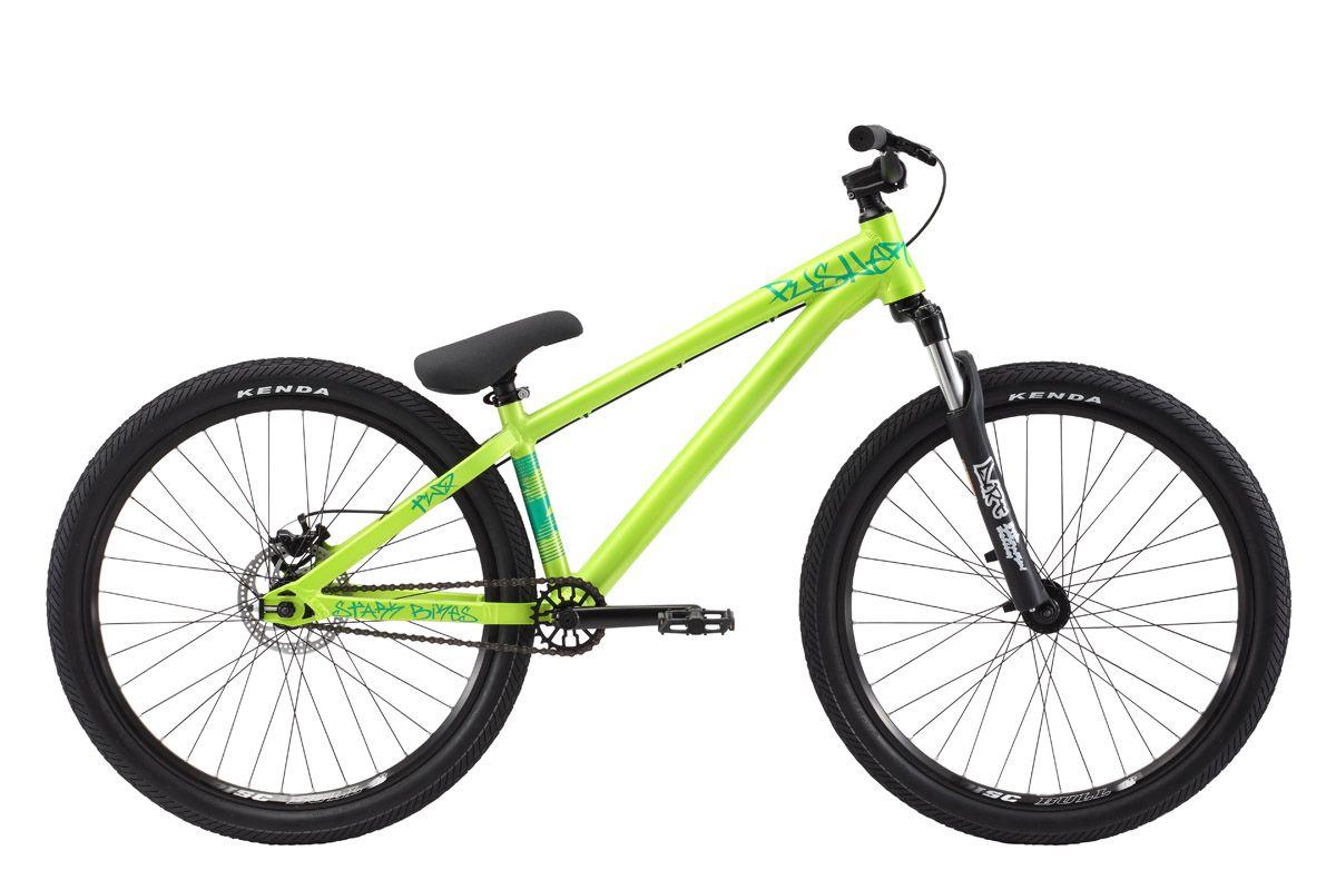 Велосипед Stark Pusher 2 (2017) салатово-зеленый 14СТРИТ / ДЕРТ<br>Если вы ищите велосипед для занятий экстремальным спортом, и хотите освоить дисциплины dirtjumping и стрит, то обратите внимание на Stark Pusher 2 #40;2017#41;, ведь он создан для выполнения трюков различной сложности. Рама велосипеда изготовлена из лёгкого и прочного алюминиевого сплава, и хорошо выдерживает нагрузки. Данная модель оборудована передней амортизационной вилкой RST Dirt RA, с ходом 80мм, которая имеет регулировку обратного отскока, что позволяет хорошо поглощать энергию удара. Задняя вилка имеет короткие перья, что делает велосипед более компактным и облегчает выполнение трюков. Механические дисковые тормоза бренда BENGAL гарантируют быстрое и эффективное торможение, а высокий руль и цепкие педали помогут с лёгкостью управлять экстремальным байком.<br><br>бренд: STARK<br>год: 2017<br>рама: Алюминий (Alloy)<br>вилка: Амортизационная (пружина)<br>блокировка амортизатора: Нет<br>диаметр колес: 26<br>тормоза: Дисковые механические<br>уровень оборудования: Продвинутый<br>количество скоростей: 1<br>Цвет: салатово-зеленый<br>Размер: 14