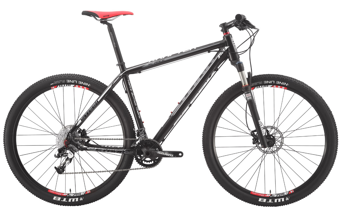 Велосипед Stark Krafter 29er (2015) черно-матовый 18КОЛЕСА 29 (НАЙНЕРЫ)<br>Созданный для профессионалов, этот велосипед с 29-дюймовыми колёсами на ободах WEINMANN XC состоит из одних достоинств. Лёгкая и жёсткая алюминиевая рама, с тройным баттингом, оборудована воздушной вилкой Rock Shox Reba RL 29QR. Которая, сама по себе имеет малый вес и целый набор регулировок, а также позволяет устанавливать гидравлические дисковые тормоза с ротором, до 210 мм. Сам же, гидравлический тормоз AVID DB5 3 , предлагаемый в комплекте, обеспечивает повышенный контроль благодаря резервуарам большого объёма и двухпоршневым калиперам. Для чёткого управления найнер оборудован компонентами SRAM X7 и X9, а также жёсткими и лёгкими шатунами этой же фирмы. Идеальный образ этого велосипеда завершает отличный дизайн. Stark Krafter 29er  найнер созданный для победы.<br><br>бренд: STARK<br>год: 2015<br>рама: Алюминий (Alloy)<br>вилка: Амортизационная (воздух)<br>блокировка амортизатора: Да<br>диаметр колес: 29<br>тормоза: Дисковые гидравлические<br>уровень оборудования: Профессиональный<br>количество скоростей: 20<br>Цвет: черно-матовый<br>Размер: 18