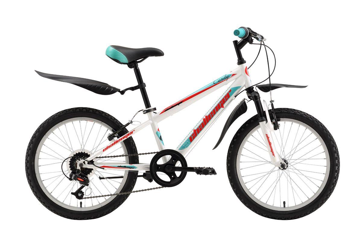 Велосипед Challenger Candy 20 (2016) бело-зеленый 13ОТ 6 ДО 9 ЛЕТ (20 ДЮЙМОВ)<br>Велосипед для девочек от 6 до 8 лет Challenger Candy имеет два варианта дизайна: основной цвет белый и основной цвет розовый. Стальная рама и колёса имеют размеры, оптимальные для роста ребёнка ростом от 115 до 127см. Колёса оборудованы крепкими ободами и крепятся эксцентриком в вилку велосипеда, что облегчает погрузку велосипеда в машину. Детский велосипед Challenger Candy имеет 6 передач, с помощью которых девочка может выбрать оптимальную нагрузку. Эффективное торможение обеспечивают надёжные и простые ободные тормоза V-brake. Удобные крылья надёжно защищают от грязи, а подножка позволяет аккуратно припарковать велосипед.<br><br>бренд: CHALLENGER<br>год: 2016<br>рама: Сталь (Hi-Ten)<br>вилка: Амортизационная (пружина)<br>блокировка амортизатора: None<br>диаметр колес: 20<br>тормоза: Ободные (V-brake)<br>уровень оборудования: Начальный<br>количество скоростей: 6<br>Цвет: бело-зеленый<br>Размер: 13