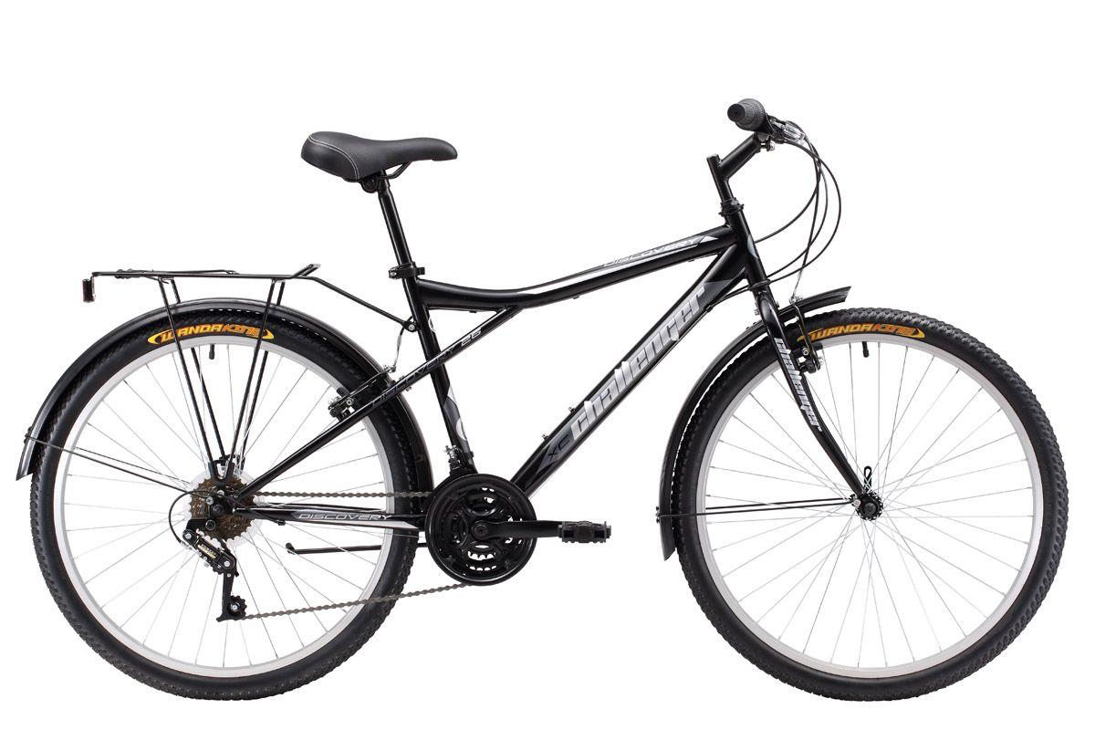 Велосипед Challenger Discovery 26 R (2017) черно-синий 16ТУРИСТИЧЕСКИЕ<br>Дорожный велосипед Challenger Discovery 26 оборудован жёсткой передней вилкой. Задняя подвеска обладает лучшими амортизирующими свойствами за счёт увеличенной длины перьев задней вилки. Трансмиссия велосипеда имеет 18 скоростей, что позволяет подобрать оптимальную нагрузку. 26-дюймовые колёса, обутые в широкую резину, помогают чувствовать себя увереннее на дороге. Переднее колесо, закреплённое эксцентриком, при необходимости быстро снимается. Велосипед оснащён надёжными тормозами V-Brake. Комплектация велосипеда включает в себя пластиковые крылья, багажник и парковочную подножку.Challenger Discovery 26 - практичный и надёжный велосипед, на стальной раме, предназначен для асфальта и дорог без покрытия.<br><br>бренд: CHALLENGER<br>год: 2017<br>рама: Сталь (Hi-Ten)<br>вилка: Жесткая (сталь)<br>блокировка амортизатора: Нет<br>диаметр колес: 26<br>тормоза: Ободные (V-brake)<br>уровень оборудования: Начальный<br>количество скоростей: 18<br>Цвет: черно-синий<br>Размер: 16