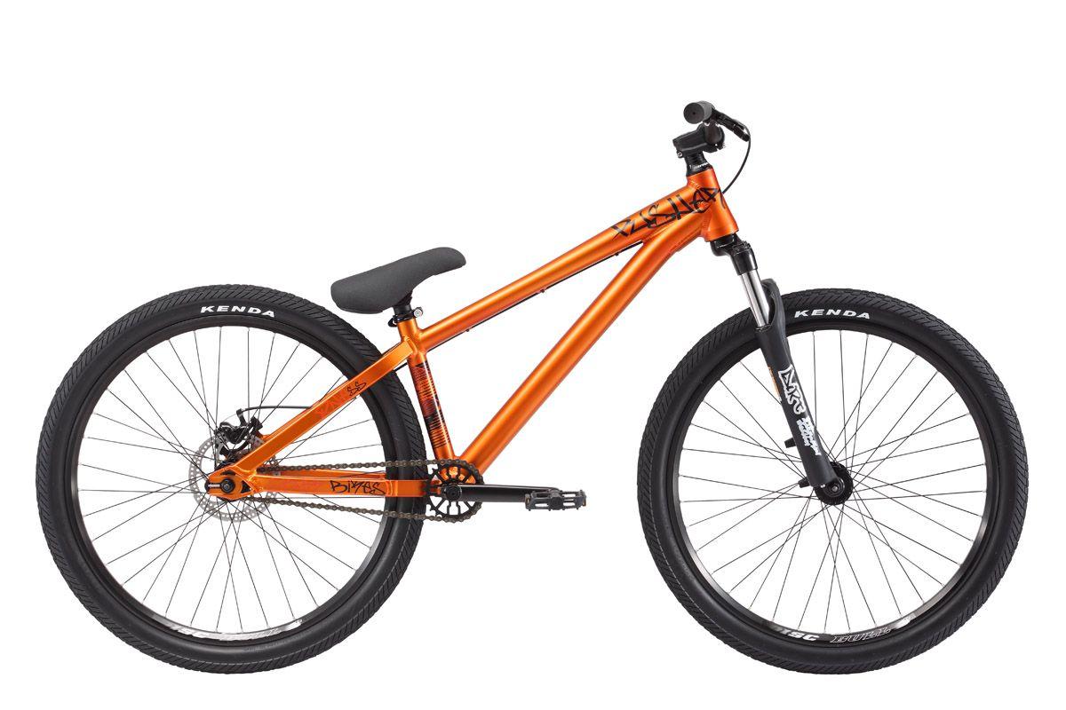 Велосипед Stark Pusher 1 SS (2017) медно-черный 14СТРИТ / ДЕРТ<br>Велосипед Stark Pusher 1 SS - создан для экстремального катания и выполнения головокружительных трюков, он отлично подходит как новичкам, так и любителям. Рама велосипеда изготовлена из лёгкого и прочного алюминиевого сплава и способна выдержать сильные нагрузки, например преодоление парапета или лестницы. Stark Pusher 1 SS оборудован надёжной передней амортизационной вилкой RST Dirt T, которая делает езду комфортной, а приземления - мягкими. Задний механический дисковый тормоз бренда BENGAL обеспечит эффективное торможение в нужный момент, а покрышки Kenda надёжно держат велосипед на дорожном покрытии.<br><br>бренд: STARK<br>год: 2017<br>рама: Алюминий (Alloy)<br>вилка: Амортизационная (пружина)<br>блокировка амортизатора: Нет<br>диаметр колес: 26<br>тормоза: Дисковые механические<br>уровень оборудования: Любительский<br>количество скоростей: 1<br>Цвет: медно-черный<br>Размер: 14