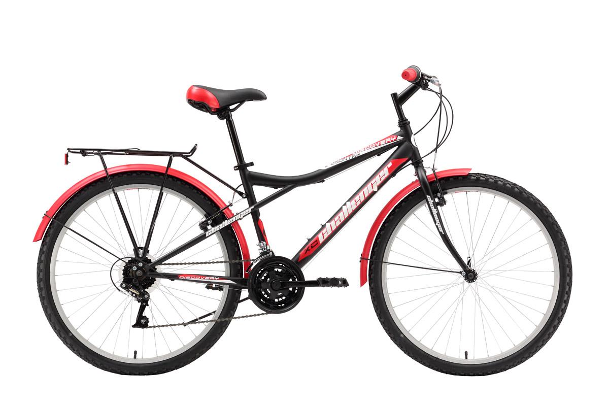 Велосипед Challenger Discovery (2016) черно-красный 18ТУРИСТИЧЕСКИЕ<br>Дорожный велосипед Challenger Discovery оборудован жёсткой передней вилкой. Задняя подвеска обладает амортизирующими свойствами за счёт большой длины перьев задней вилки. 18-ти скоростная трансмиссия и 26-дюймовые колёса, обутые в широкую резину, помогают чувствовать себя увереннее на дороге. Переднее колесо, закреплённое эксцентриком, при необходимости быстро снимается. Торможение выполняется надёжным ободным тормозом. Дорожный велосипед оборудован полноразмерными крыльями, подножкой и багажником. Challenger Discovery  практичный и надёжный велосипед, на стальной раме, предназначен для асфальта и дорог без покрытия.<br><br>бренд: CHALLENGER<br>год: 2016<br>рама: Сталь (Hi-Ten)<br>вилка: Жесткая (сталь)<br>блокировка амортизатора: None<br>диаметр колес: 26<br>тормоза: Ободные (V-brake)<br>уровень оборудования: Начальный<br>количество скоростей: 18<br>Цвет: черно-красный<br>Размер: 18