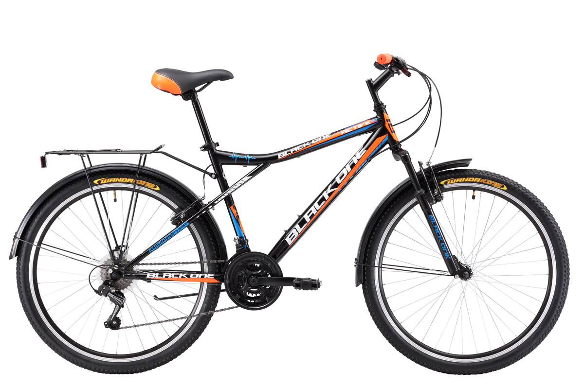 Велосипед Black One Active 26 (2017) черно-оранжевый 20ТУРИСТИЧЕСКИЕ<br>Дорожный велосипед Black One Active 26, на стальной раме, оборудован передней амортизационной вилкой. Длинные перья задней вилки способствуют хорошей амортизации задней подвески. Модель 2017 года имеет 21 скорость и оборудована курковыми переключателями. 26-дюймовые колёса, обутые в широкую резину, помогают уверенно чувствовать себя на дороге. Переднее колесо, закреплённое эксцентриком, при необходимости быстро снимается. Велосипед оборудован ободными тормозами типа V-brake. Для большего комфорта во время прогулок велосипед укомплектован подножкой, пластиковыми крыльями и багажником. Black One Active 26 – практичный и надёжный велосипед, который отлично подходит для катания по асфальту и дорогам без покрытия<br><br>бренд: BLACK ONE<br>год: 2017<br>рама: Сталь (Hi-Ten)<br>вилка: Жесткая (сталь)<br>блокировка амортизатора: Нет<br>диаметр колес: 26<br>тормоза: Ободные (V-brake)<br>уровень оборудования: Начальный<br>количество скоростей: 21<br>Цвет: черно-оранжевый<br>Размер: 20