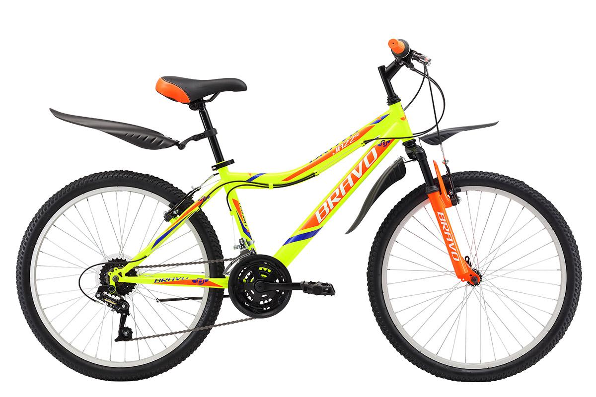 Велосипед Bravo Jazz 24 (2017) желто-красный one sizeОТ 9 ДО 13 ЛЕТ (24-26 ДЮЙМОВ)<br>Подростковый велосипед Bravo Jazz 24 на стальной раме рассчитан на возраст владельца 9-13 лет, ростом 127- 155 см. Этот велосипед отлично подходит для прогулок на свежем воздухе. 18 скоростная трансмиссия позволяет подобрать оптимальную нагрузку во время движения. Велосипед оборудован надёжными ободными тормозами, которые просты в эксплуатации. Крепление переднего колеса с помощью эксцентрика позволяет с лёгкостью снимать его при погрузке велосипеда в автомобиль. Велосипед Bravo Jazz 24 укомплектован пластиковыми крыльями и подножкой.<br><br>бренд: BRAVO<br>год: 2017<br>рама: Сталь (Hi-Ten)<br>вилка: Амортизационная (пружина)<br>блокировка амортизатора: Нет<br>диаметр колес: 24<br>тормоза: Ободные (V-brake)<br>уровень оборудования: Начальный<br>количество скоростей: 18<br>Цвет: желто-красный<br>Размер: one size
