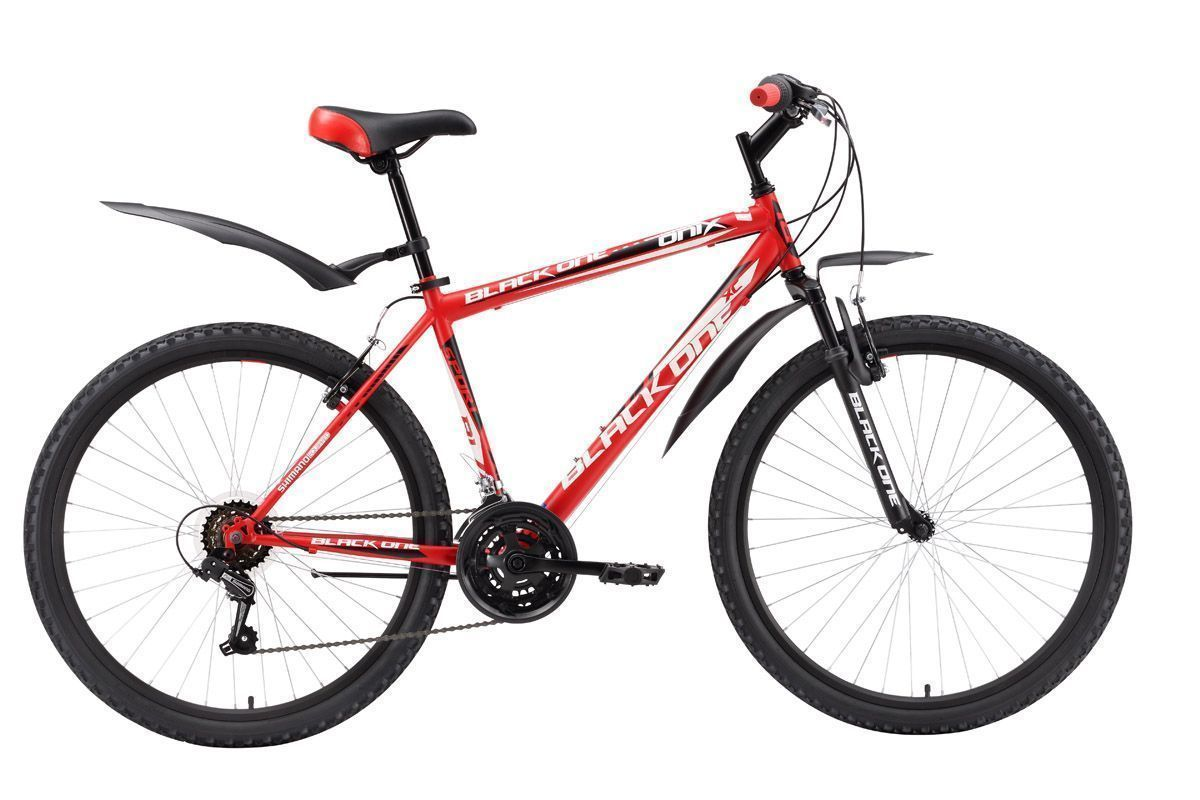 Велосипед Black One Onix (2016) красно-черный 18КОЛЕСА 26 (СТАНДАРТ)<br>Black One Onix  классический горный велосипед с ободными тормозами, предназначенный для прогулочного катания. Велосипед собран на стальной раме, оборудован передней амортизационной вилкой и 18 передачами. Выбор необходимой передачи выполняют переключатели фирмы Shimano. Колёса с двойными ободами имеют диаметр 26 дюймов и крепятся в вилке эксцентриком. Такой тип крепления позволяет быстро снять колесо при погрузке в автомобиль. Так же, благодаря эксцентрику, происходит быстрая регулировка седла по высоте. Горный велосипед Black One Onix укомплектован быстросъёмными крыльями и подножкой. При желании, вы можете выбрать модификацию велосипеда механическим дисковым тормозом Black One Onix Disc или на алюминиевой раме - Black One Onix Alloy.<br><br>бренд: BLACK ONE<br>год: 2016<br>рама: Сталь (Hi-Ten)<br>вилка: Амортизационная (пружина)<br>блокировка амортизатора: Нет<br>диаметр колес: 26<br>тормоза: Ободные (V-brake)<br>уровень оборудования: Начальный<br>количество скоростей: 18<br>Цвет: красно-черный<br>Размер: 18