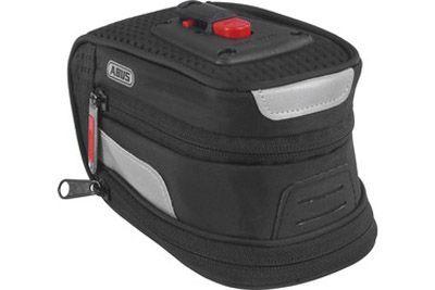 Велосумка ABUS Onyx ST 2100 KFСУМКИ<br>Подседельная сумка на липучках ABUS Onyx ST 2100 KF изготовлена из водонепроницаемых материалов, объем 1.2 литра, крепление быстросъемное KlickFix<br><br>бренд: ABUS<br>год: Всесезонный<br>рама: None<br>вилка: None<br>блокировка амортизатора: None<br>диаметр колес: None<br>тормоза: None<br>уровень оборудования: None<br>количество скоростей: None<br>Цвет: None<br>Размер: None